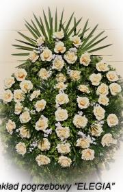 Wieniec pogrzebowy ze sztucznych kwiatów na pogrzeb w warszawie