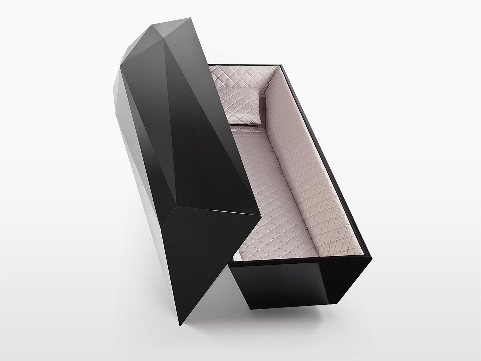 Trumna pogrzebowa czarny diament otwarta