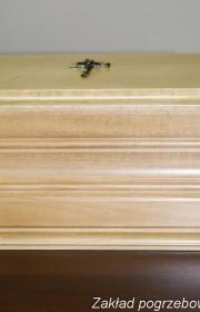 Urna pogrzebowa k4 na wystawie zakładu pogrzebowego w warszawie