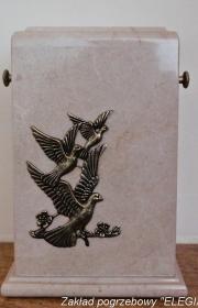 Porcelanowa urna w zakładzie pogrzebowych elegia warszawa
