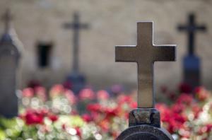 Nagrobek na cmentarzu pogrzeb w warszawie