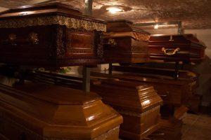Magazyn trumien warszawa zakład pogrzebowy elegia